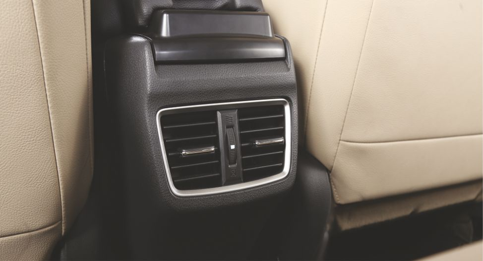 Rear AC Ducts